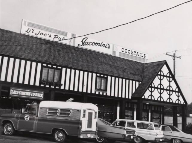 Li'l Joe's Pub, Bath, 1968 - Akron Beacon Journal Photograph